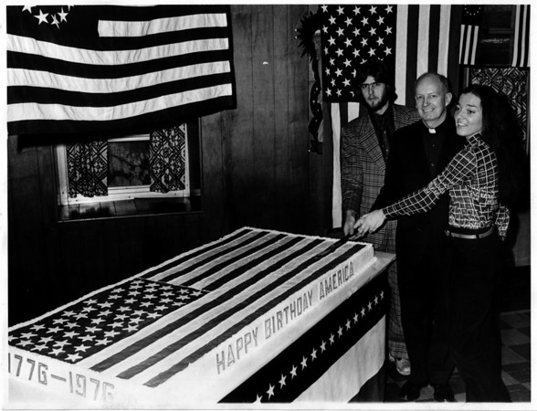 Bicentennial - Happy Birthday<br /> Happy 220th Birthday America.<br /> 1776 - 1976.<br /> Photo - By John Kudla - 3/5/1976.