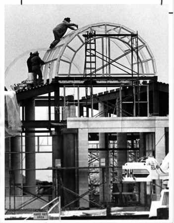 Parks - Prospect Park<br /> Workmen continue their progress on the new visitor center at Prospect Park.<br /> Photo - By John Kudla 12/9/1985.