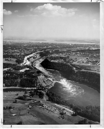 Niagara River, Whirlpool Rapids<br /> Photo - By Leep Zelones (Aerial Photography).