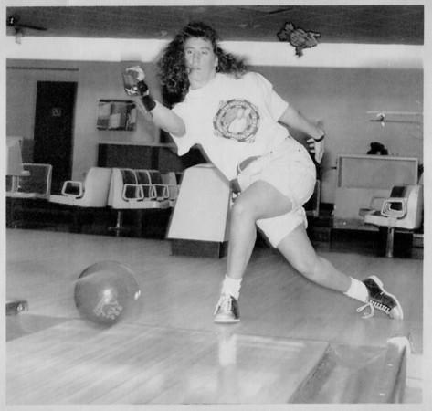 Sports - Bowling<br /> Liz Johnson<br /> Photo - By James Neiss - 8/19/1993.