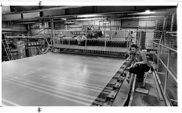 Industries - Cascades<br /> Pper making machine at Cascades Inc. <br /> From left to right Tom Dane and Charles Gardner.<br /> Photo - By Ron Schifferle - 2/19/1988.
