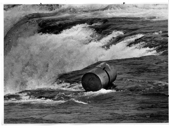 Niagara Falls, Barrel at brink of the American Falls 5/3/1990