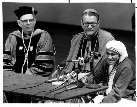 Religion - Mother Theresa <br /> Mother Theresa visits Niagara University.<br /> Photo - By Joe Eberle - 5/31/1982.