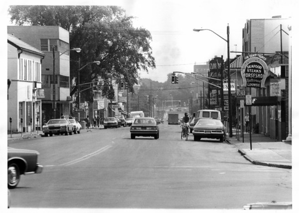 Streets - Niagara Falls<br /> Third Street looking south from Main Street.<br /> Photo - By Niagara Gazette.