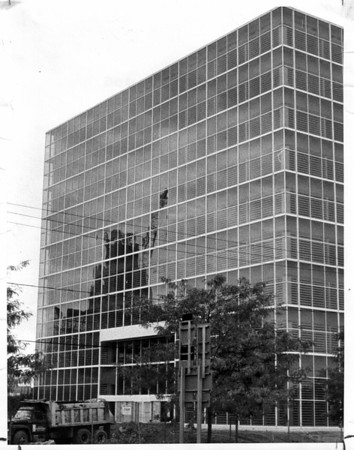 Buildings - Hooker Office Building<br /> Photo - By L. C. Williams - 10/8/1981.