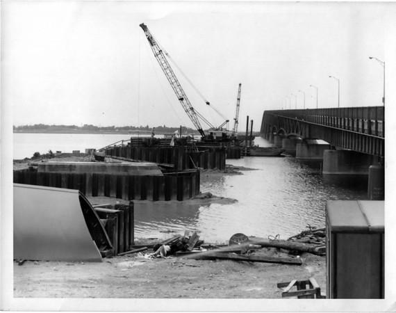 Streets - Niagara Falls<br /> Robert Moses Parkway from Grand Island to Niagara Falls<br /> Photo - By Niagara Gazette - 7/19/1963.