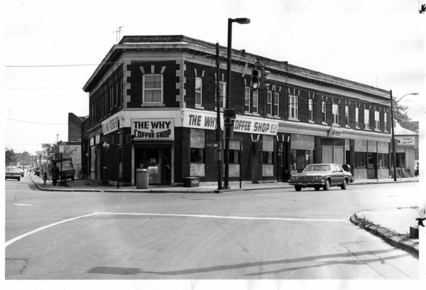 Buildings - Niagara Falls<br /> The hy Coffee Shop<br /> Photo - By John Kudla - 8/10/1981.