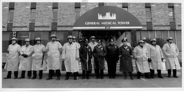 Organizations - Police<br /> Erie County Sheriffs and Buffalo Police guard the enterance to the clinic at the General Medical Tower.<br /> Photo - By James Neiss - 4/23/1992.