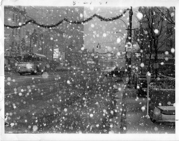 Christmas<br /> Bus at the corner of 1st and Falls Street.<br /> Photo - By Niagara Gazette - 12/5/1968.
