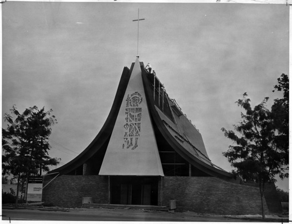 Churches - St. Peter's Church<br /> St. Peter's Roman Catholic Church in Lewiston, N.Y.<br /> Photo - By L. C. Williams - 9/5/1970.