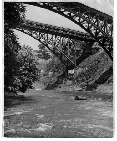 Niagara Falls, Stunters, Hill Family - Red Hill July 8, 1945