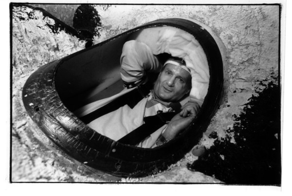 Niagara Falls, Stunters, Dave Munday in his Barrel on Friday July 15, 1990 Photo by James Neiss.