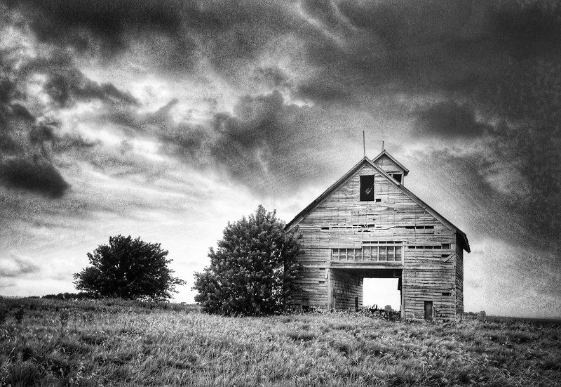 Old Barn on Interstate 55