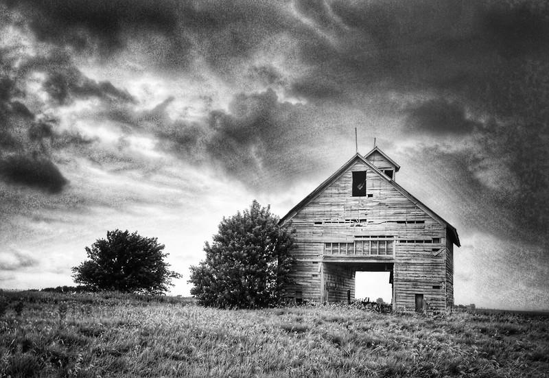 Old Barn on Interstate 55