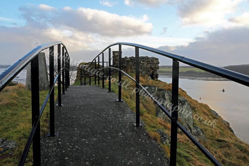 Dumbarton Castle Path