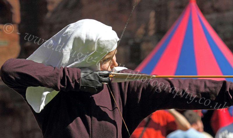 A Lady Archer - Bothwell Castle - 27 May 2012