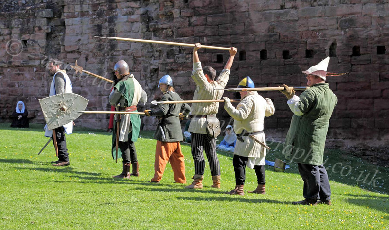Warming Up - Bothwell Castle - 27 May 2012