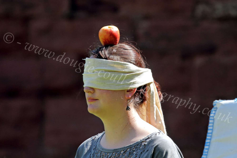 Waiting on 'Willam Tell' to Fire his Crossbow - Bothwell Castle - 27 May 2012