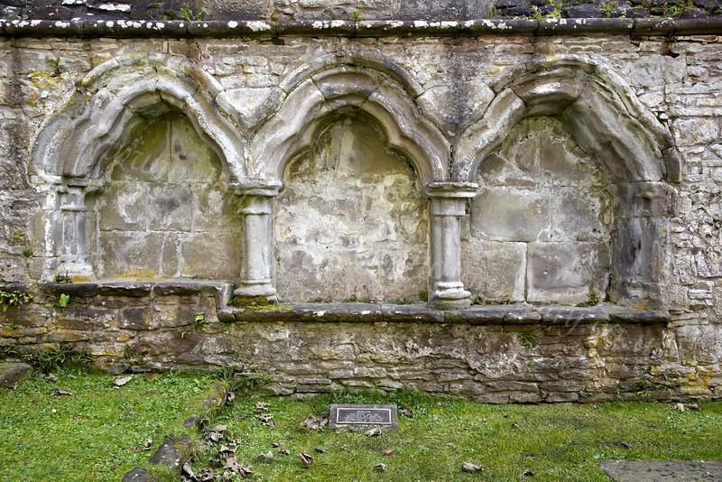 Inchmahome Priory - Sedilia - 7 October 2012