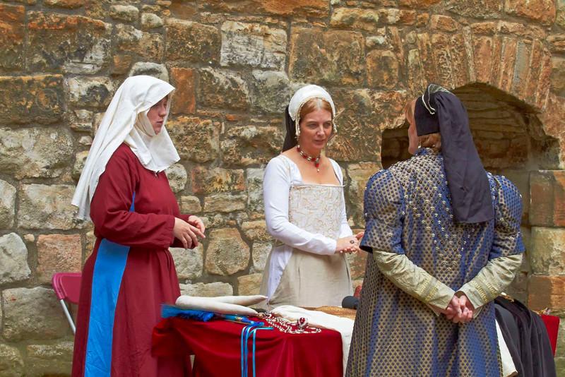Medieval Ladies - Linlithgow Palace - 8 July 2012