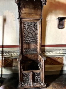 Commode Throne Chair