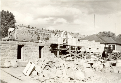 students building Alden Hall
