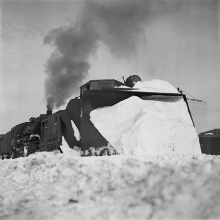 1935-07n5 B&M Plow Train Worc_dK