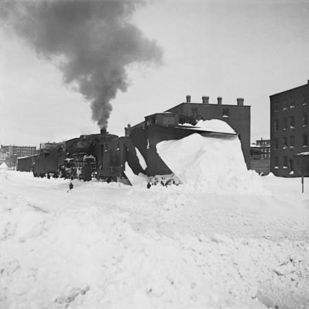 1935-07n3 B&M Plow Train Worc_dK