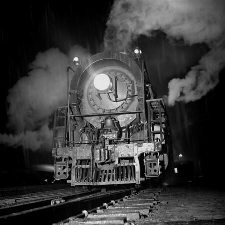 1937-14n1 B&M #3004 Worc Night Shots_dK