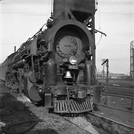 1937-04n1 B&M 4021 Worc Sand Tower_dK