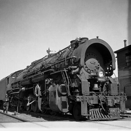 1937-11n1 B&M #4011 Worc Yards_dK