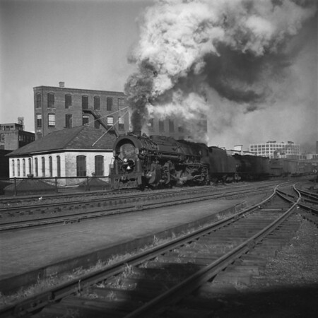 1938-06 B&M #4013 Union Sta_dk