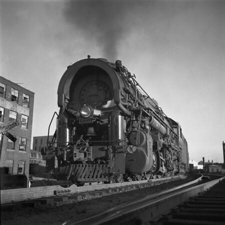 1938-11n1 B&M #4002 Blackstone St_dK