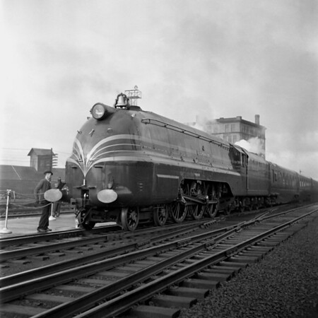 English Coronation Train at Worcester, MA Union Station. 1940-10n1_dK