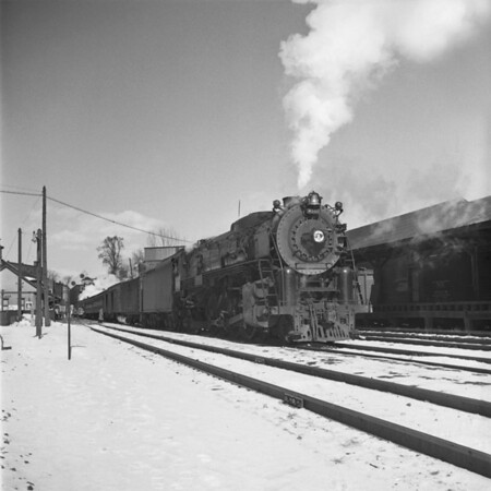 B&M mail express with #4101 at Baldwinville, MA. 1940-09n1_dK