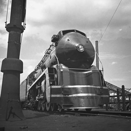 NH 1400 class at Readville, MA. 1940-02n2_dK