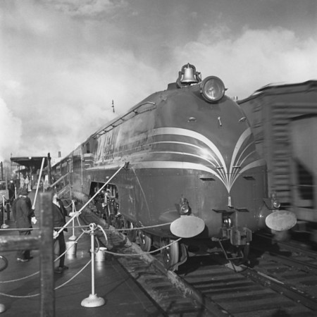 English Coronation Train at Worcester, MA Union Station. 1940-10n3_dK