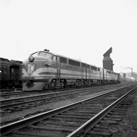 GM diesel demonstrator in the south Worcester yard. 1940-11n10_dK
