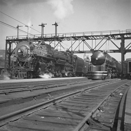 South Station, Boston, MA - L-R B&A, NH 1402. 1940-06n2_dK