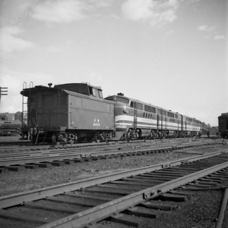 GM diesel demonstrator in the south Worcester yard. 1940-11n11_dK