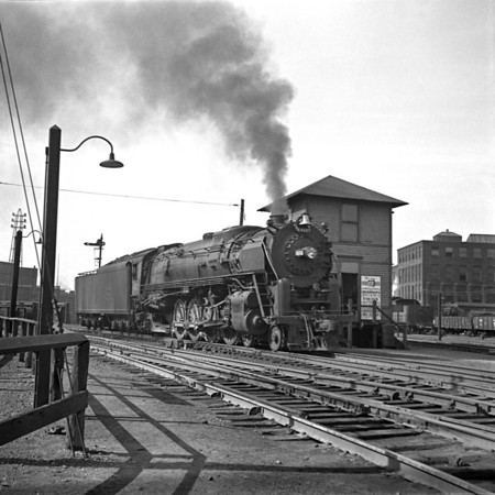 1941-02n1 B&M 4107 old S  Worc  Station - P&W_dK