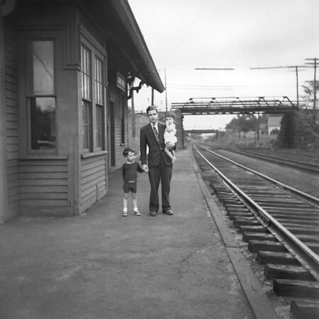 1941-12n2 B&A Jamesville (MA) Station_dK