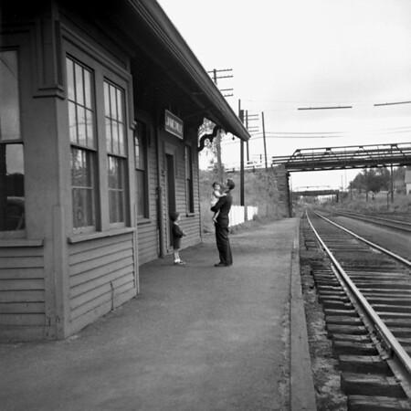 1941-12n3 B&A Jamesville (MA) Station_dK