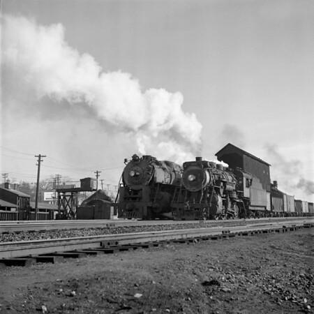 1941-08n1 B&M 4104 Lowell, MA_dK