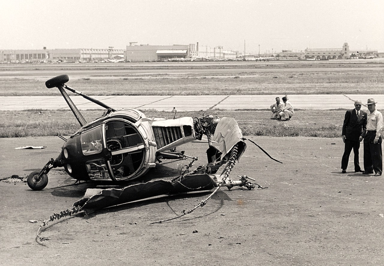 """June 6, 1951: This Los Angeles Airways Sikorsky S-51 was in the process of carrying mail from Los Angeles International Airport when at an altitude of about 20 feet above the ground the tail rotor failed. Pilot Gale Moore escaped without injuries. <br /> <br /> Witnesses reported after the crash that the copter was crawling across the ground like a """"giant crab"""" as the rotor blades continued to turn."""