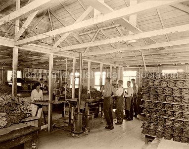 Busby Glove Company in Oakland, California in 1918