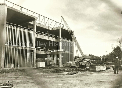 The construction of Neiman Marcus at the Stanford Shopping Center in 1984