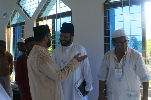 Sadr Majlis Ansarullah Ahmad Tabshir Choudhury, Missionary Incharge Abdul Awwal Khan Chowdhury & Naib National Ameer