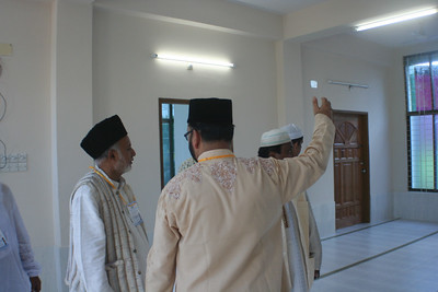 National Ameer saheb inspecting the Lajna section of the Mosque (Gr.Floor)