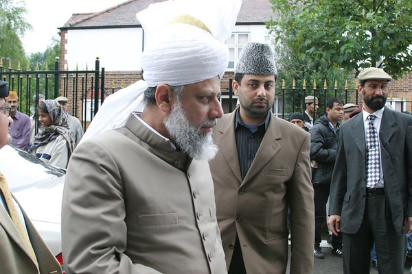 Huzur arrives at Fazal Mosque London
